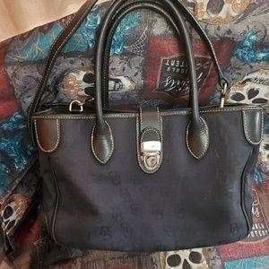 Dooney and Bourke signature satchel 💝